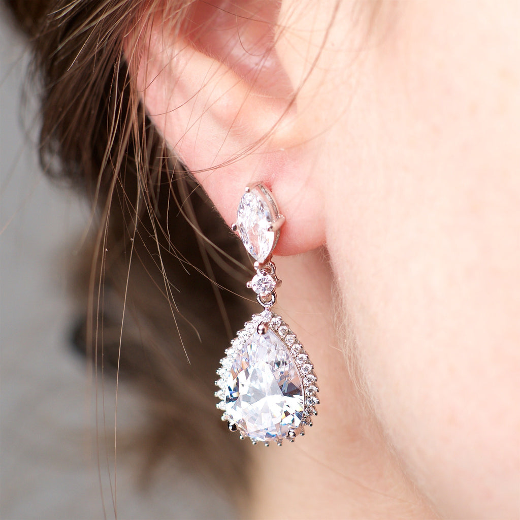 Opportunity - Platinum plated earrings with zirconium crystals 2