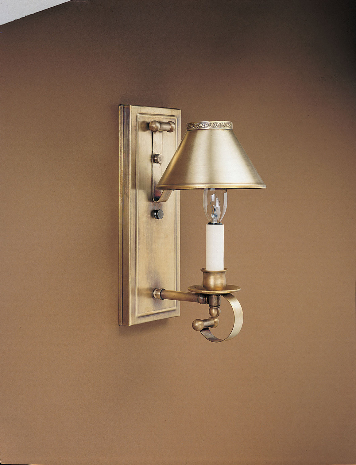 Sconce 138