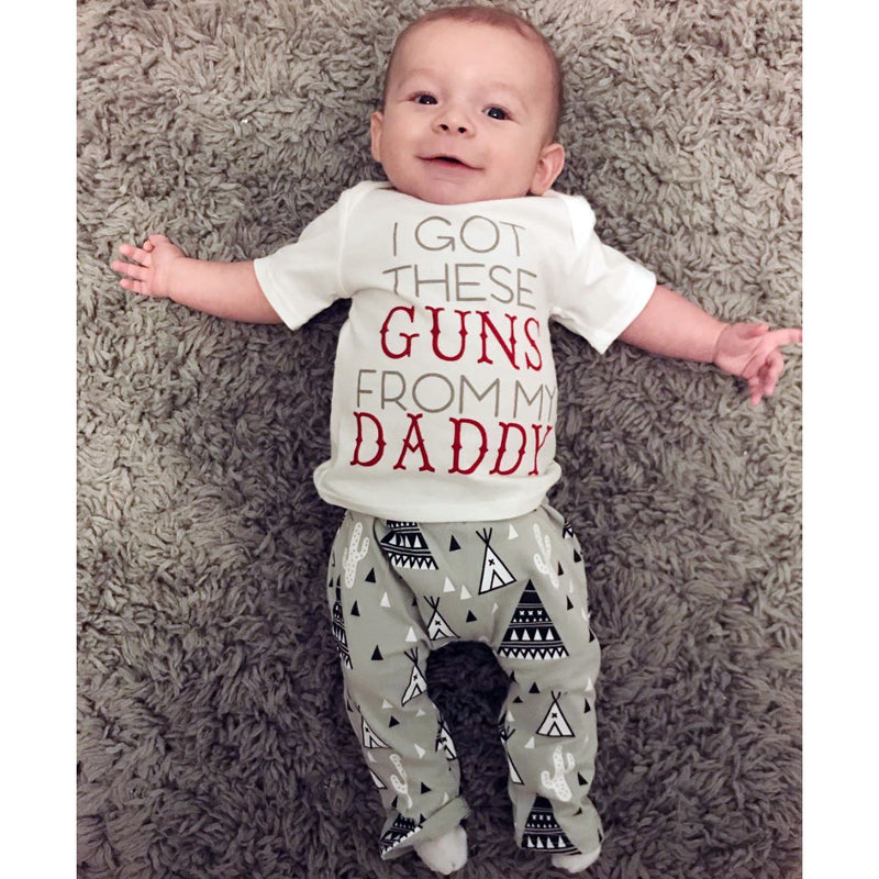 'I got these guns from my Daddy' Outfit