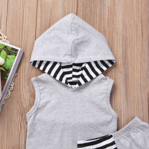 Hooded Gray Summer Outfit