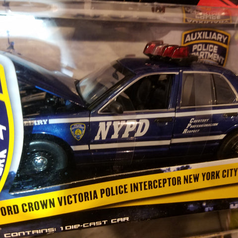 1:18 Ford Crown Victoria Police Interceptor New York City Police Deparment NYPD Auxiliary with lights and sounds Green Light LIMITED Edition