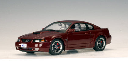 AUTOart 1:18 FORD MUSTANG GT 2004 (40TH ANNIVERSARY CRIMSON RED)