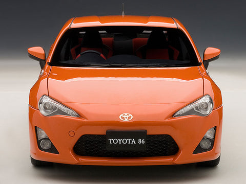 AUTOart 1:18 TOYOTA 86GT LIMITED ORANGE
