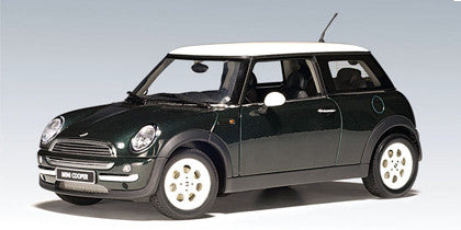 AUTOart 1:18 BMW MINI COOPER GREEN (NO SUNROOF)