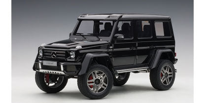 1:18 MERCEDES-BENZ G500 4X4 2 (GLOSS BLACK)