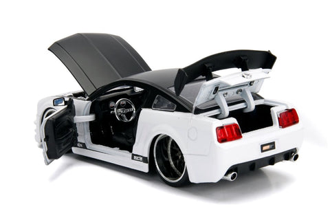 "Jada 1/24 ""BIGTIME Muscle"" 2006 Ford Mustang GT - White 99973"