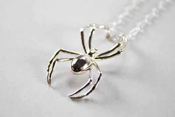 AMBUSH Spider Charm Necklace [Silver]