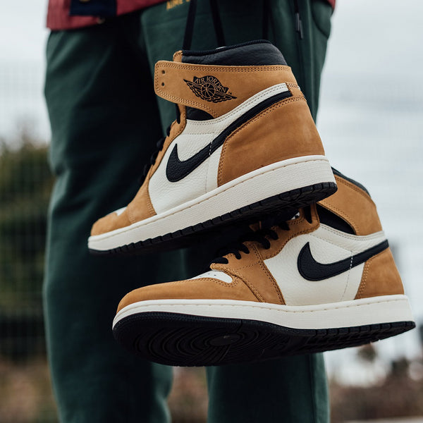 Air Jordan 1 Retro High 'Rookie Of The Year' [555088-700]