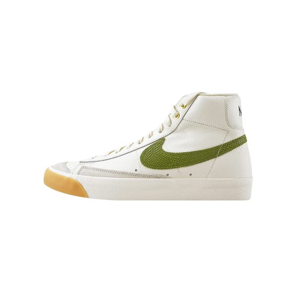 Nike Blazer Mid '77 VNTG 'Sail/Asparagus/Light Bone'