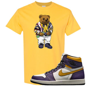 This yellow t-shirt matches great with your Nike SB x Air Jordan 1 OG Court purple shoes