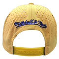 the back of the los angeles lakers snapback hat has a yellow adjustable snap