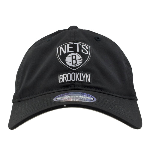 the front of the brooklyn nets light and dry black poly dad hat has the Brooklyn Nets logo in black and white