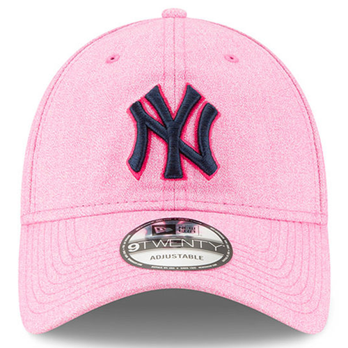 the front of the 2018 new york yankees mother's day dad hat has the new york yankees logo embroidered in black with a hot pink outline