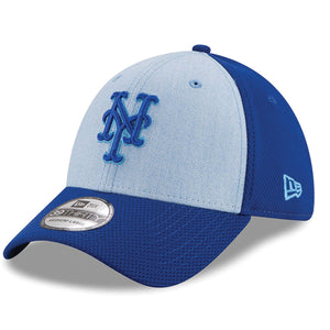 on the front of the 2018 new york mets father's day on-field stretch fit cap is the new york mets logo embroiered in light blue