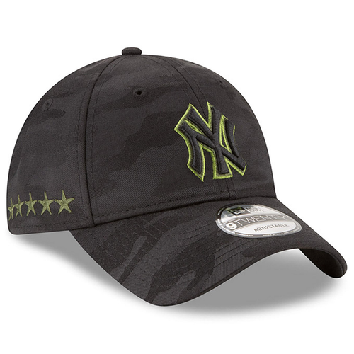 on the left side of the new york yankees on-field 2018 memorial day dad hat are 5 army stars embroidered in green