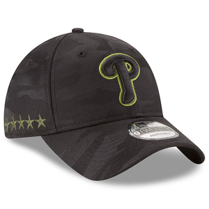 on the right side of the youth 2018 memorial day philadelphia phillies on-field ball cap are 5 stars embroidered in military green