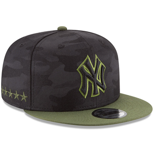 on the right side of the new york yankees 2018 memorial day 9fifty snapback hat are 5 stars embroidered in military green