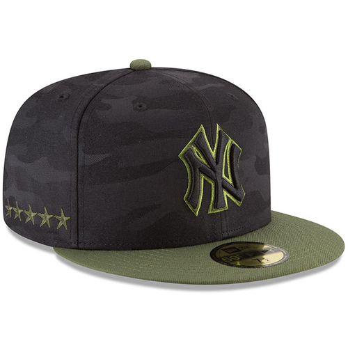 on the right side of the new york yankees 2018 memorial 59fifty fitted cap are 5 stars embroidered in military green