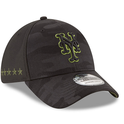 on the right side of the youth-sized new york mets 2018 on-field memorial day stretch fit cap are 5 stars embroidered in military green