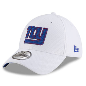 on the front of the new york giants 2018 training camp stretch fit cap is a new york giants logo embroidered in blue and red