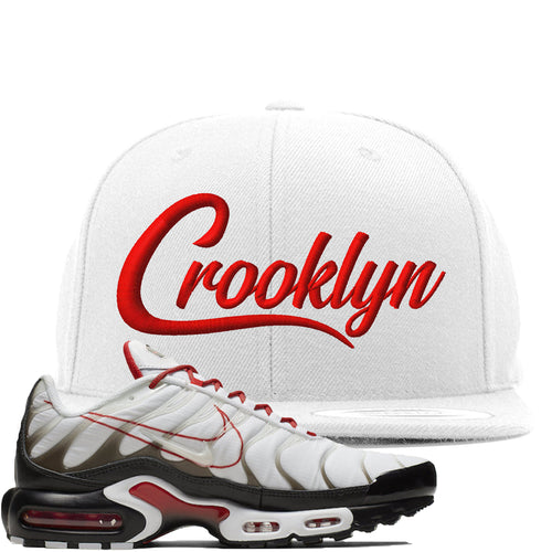 Nike Air Max Plus White University Red Sneaker Match Crooklyn white Snapback