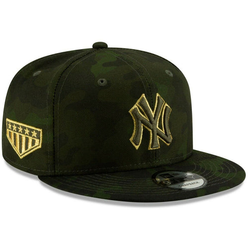 Embroidered on the right side of the New York Yankees 2019 Memorial Day Youth 9Fifty Snapback Hat is the 5 star shield logo embroidered in military green and metallic gold
