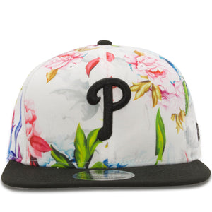 Embroidered on the front of the Philadelphia Phillies Floral 9Fifty snapback hat is the Philadelphia Phillies logo in black.