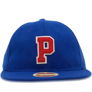 front of  The Philadelphia 76ers 1949 Heritage Series 9Fifty snapback hat features a two color appliqué logo on the front of the crown in red and white.