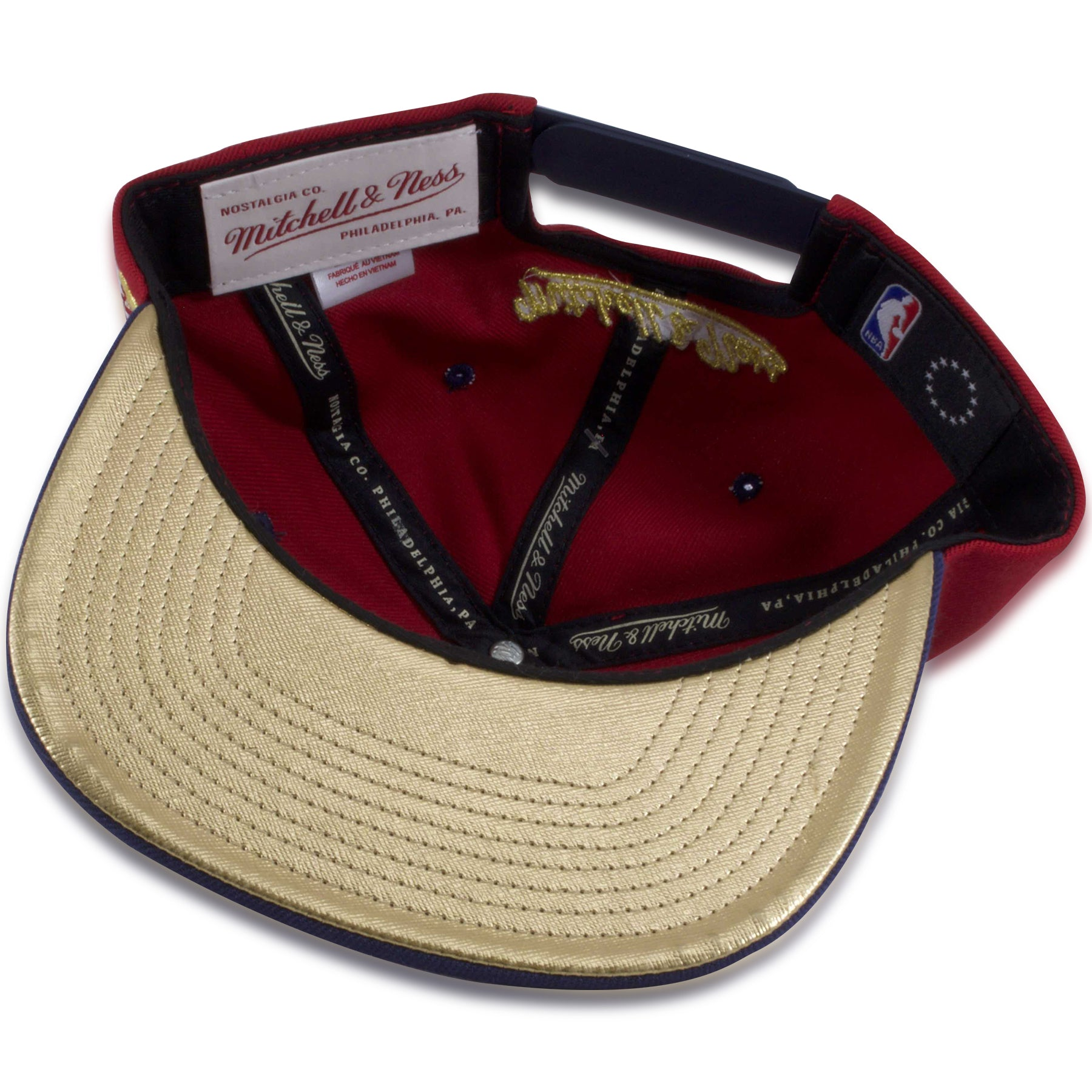 size 40 978be b9d4b ... Philadelphia 76ers Red   Navy Blue Gold Star Circle Mitchell and Ness  Snapback Hat