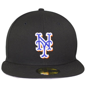 New York Mets Logo is embroidered on the front of this plain black fitted hat.