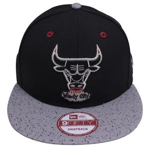 on the front of the chicago bulls retro air jordan 5 og sneaker matching snapback hat is the vintage chicago bulls windy city logo embroidered in silver, black, and red