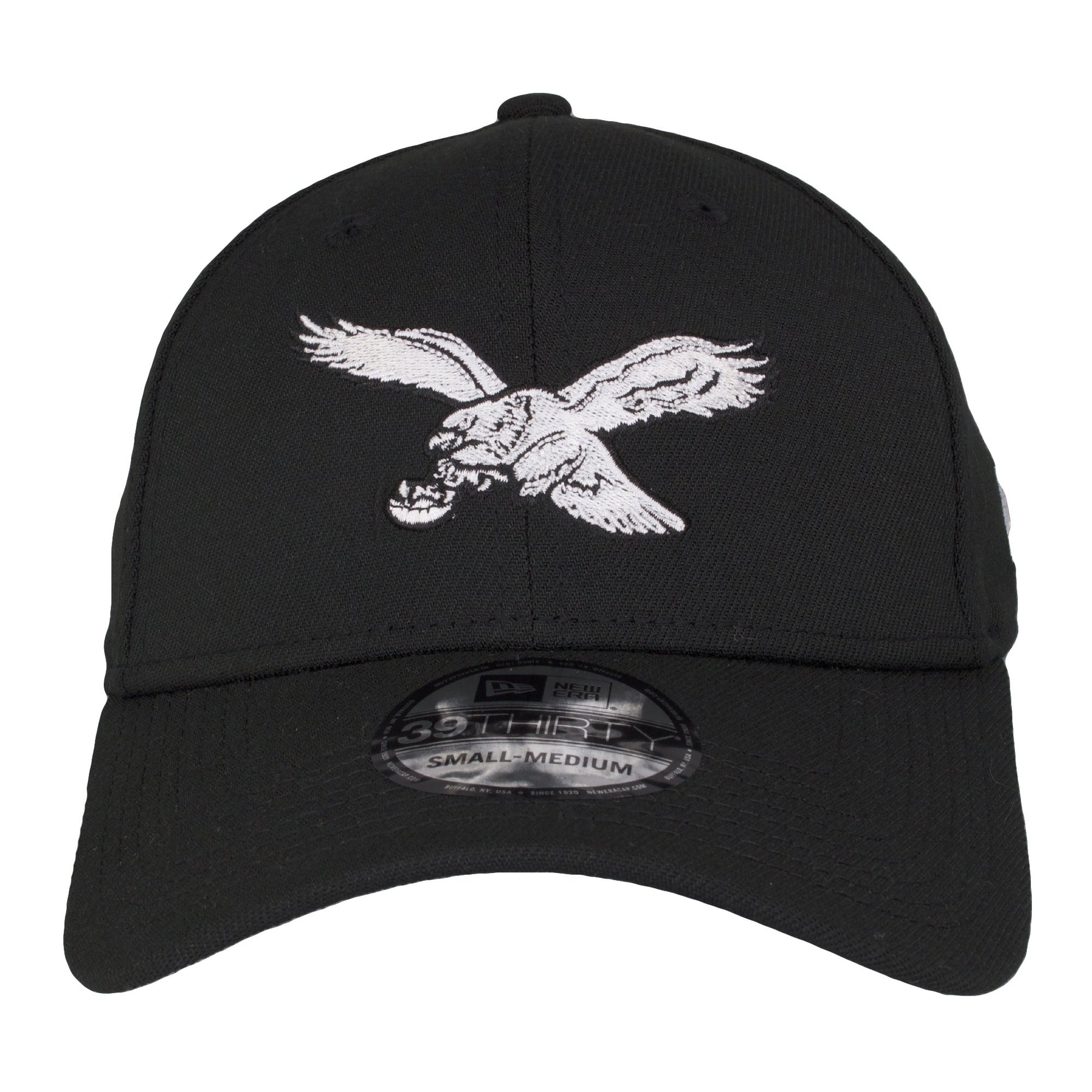 on the front of the stretch fit Philadelphia Eagles retro logo black  flexfit cap is the 1eae80c7a774