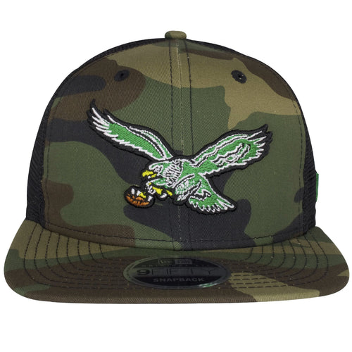 This Philadelphia Eagles Hats New Era has the vintage bird logo on the front in kelly green.