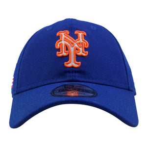 Embroidered on the front of the New York Mets USA Patch dad hat is the Mets logo in orange and white