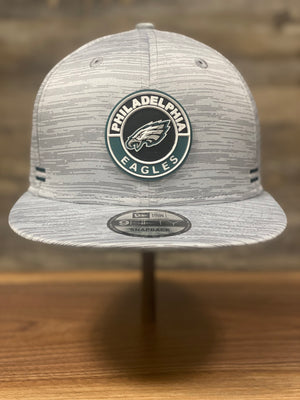 Grey Snapback | Eagles Heather Material | Philadelphia Eagles | Sideline 2020 front view of cap