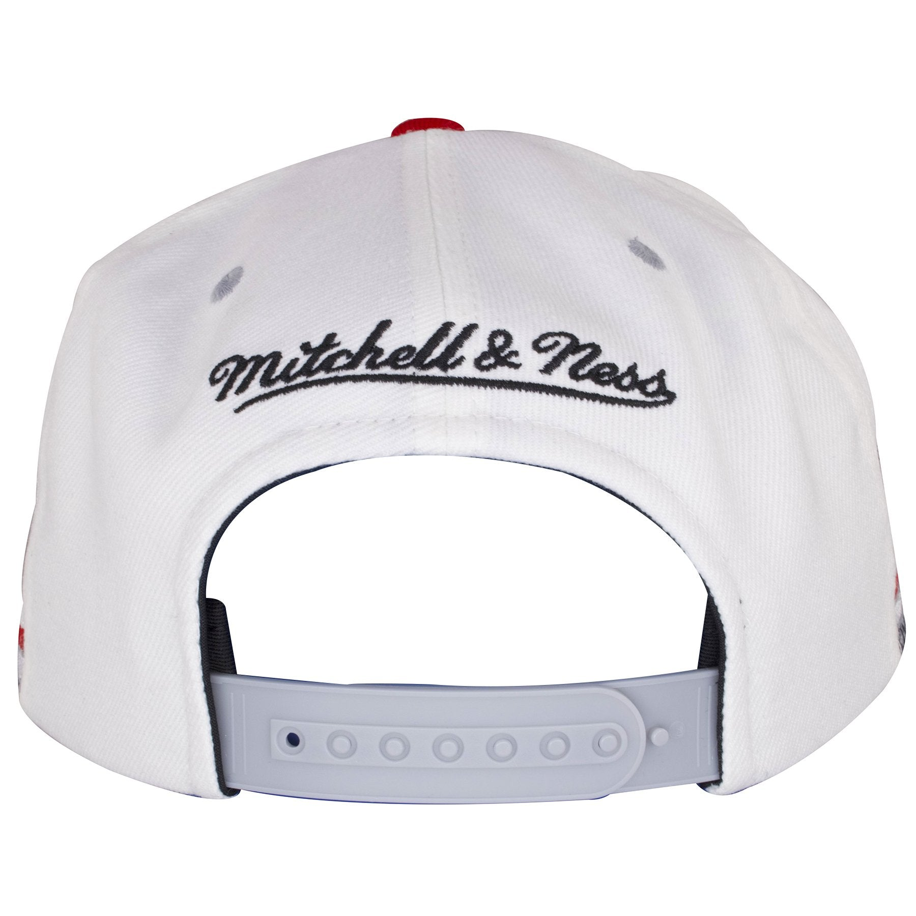 a65165cb5c6 ... On the back of this Mitchell and Ness Chicago Bulls Snapback hat is the  Mitchell and ...