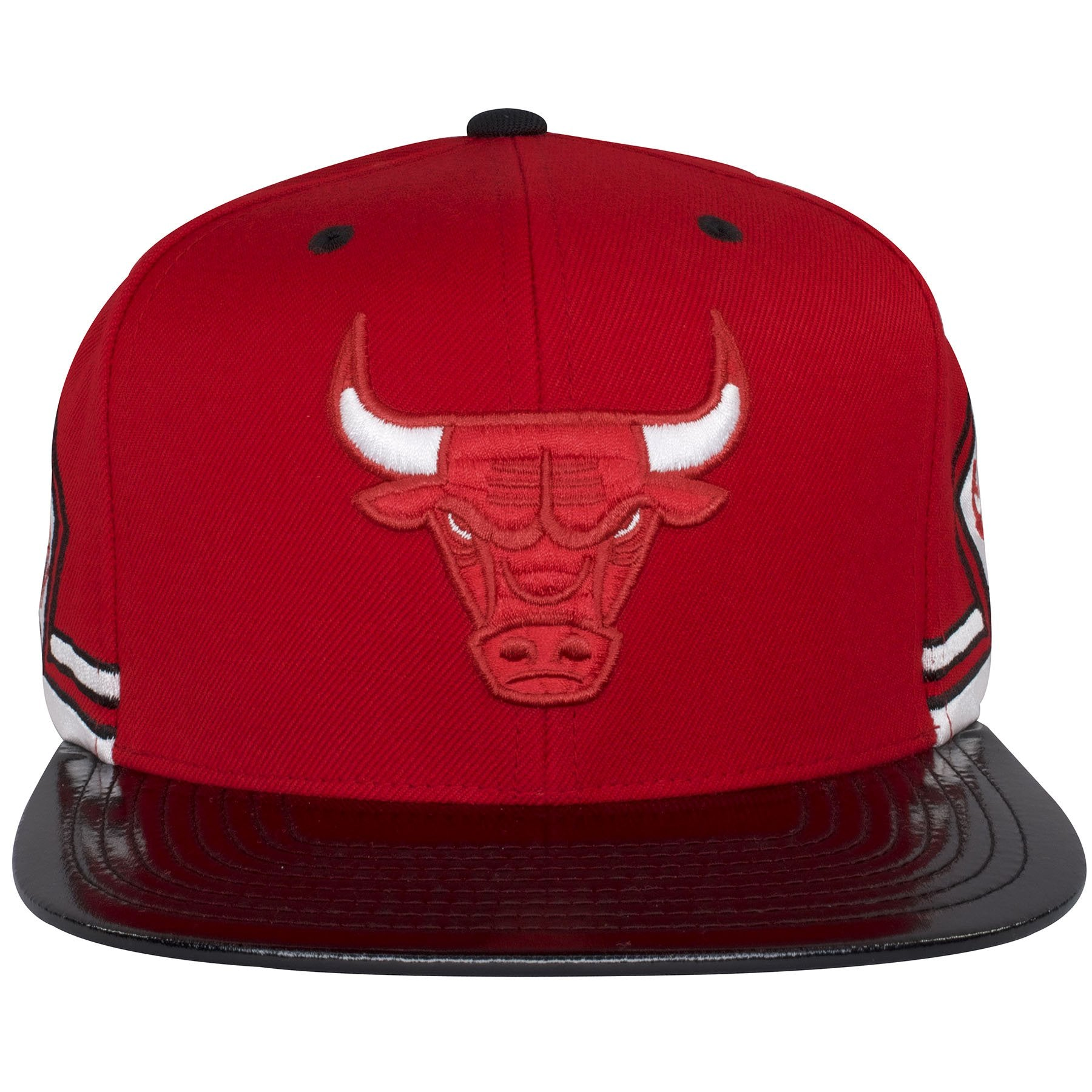 6e3ef1b6b30 The flat bill of this Chicago Bulls red snapback is made with a black  patent leather