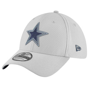 On the front of the 2018 Training Camp On Field Elastic Stretch Fit Dallas Cowboys 39thrity cap from New Era is the Dallas Cowboys logo in navy blue and white