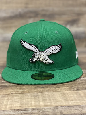 front of Vintage Eagles kelly green fitted hat | Retro Philadelphia eagles throwback kelly green 5950 fitted cap
