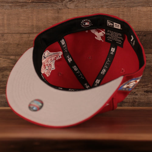 the chicago bulls marbled grey concrete snapback hat has a red and black chicago bulls logo embroidered on the front