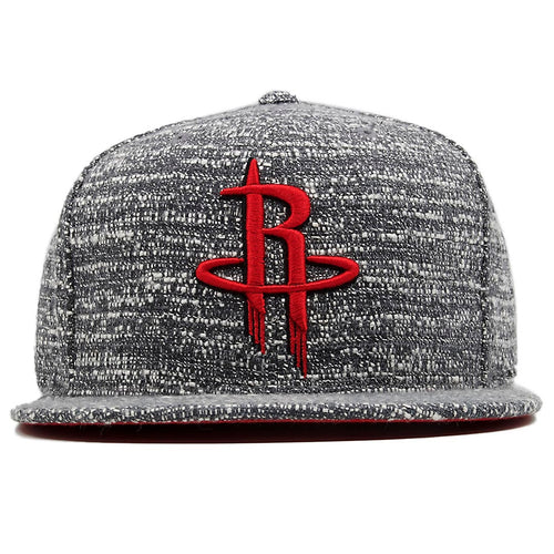 the houston rockets marbled grey noise concrete snapback hat has a red houston rockets on the front