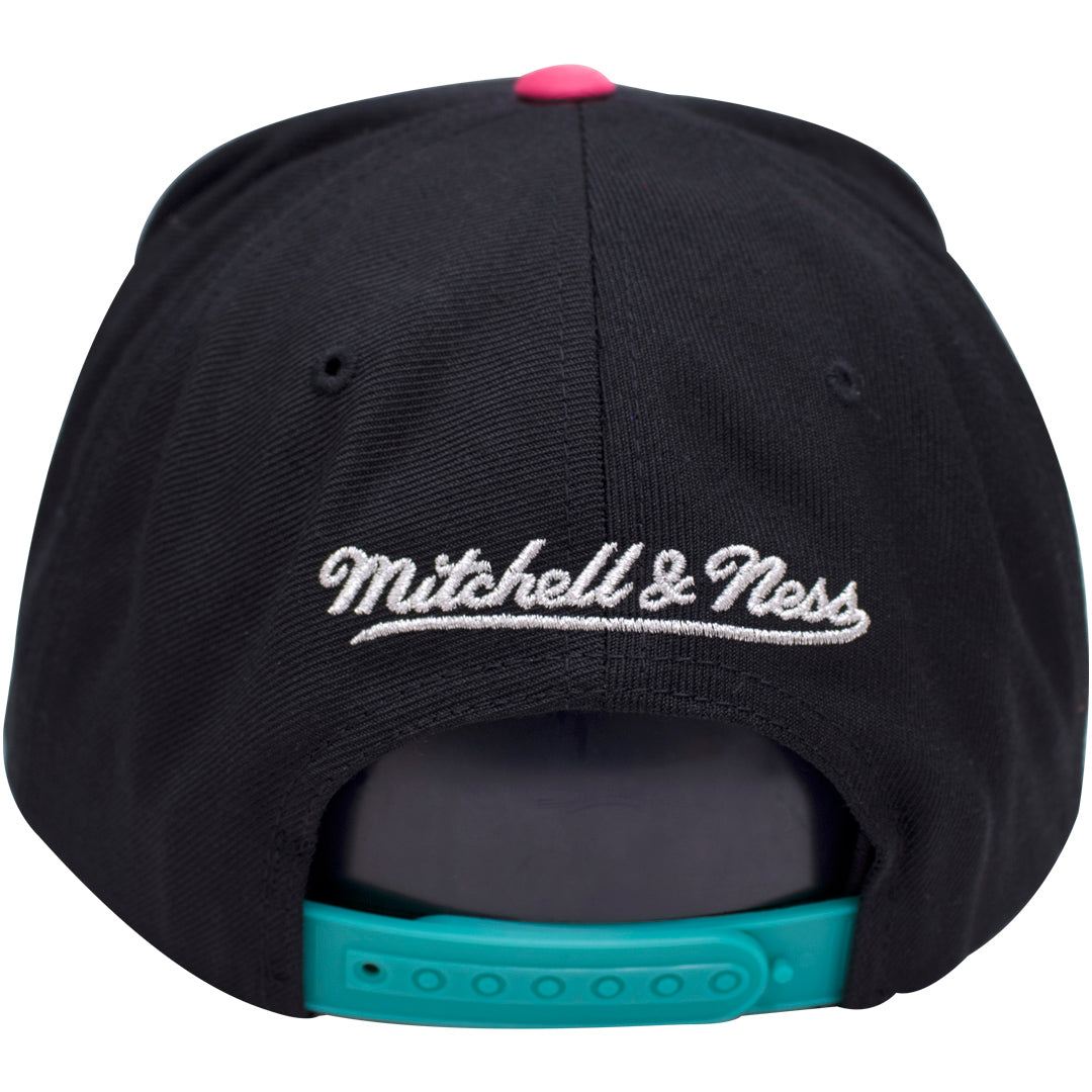 the best attitude 71496 a0f6d ... on the back of the all star weekend snapback hat is the mitchell and  ness logo ...