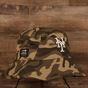 The NY Mets woodland camo Memorial Day on field bucket hat by New Era.