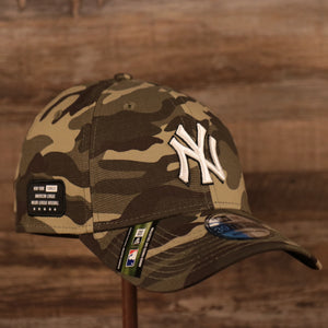 The American League side patch Memorial Day On Field Hat for the New York Yankees.