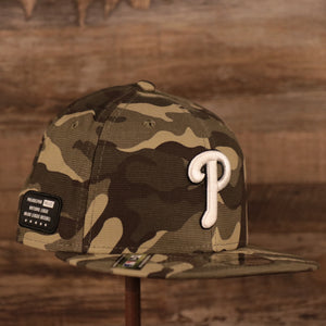 A Philadelphia Phillies Memorial Day 9fifty snapback hat 2021 by New Era.