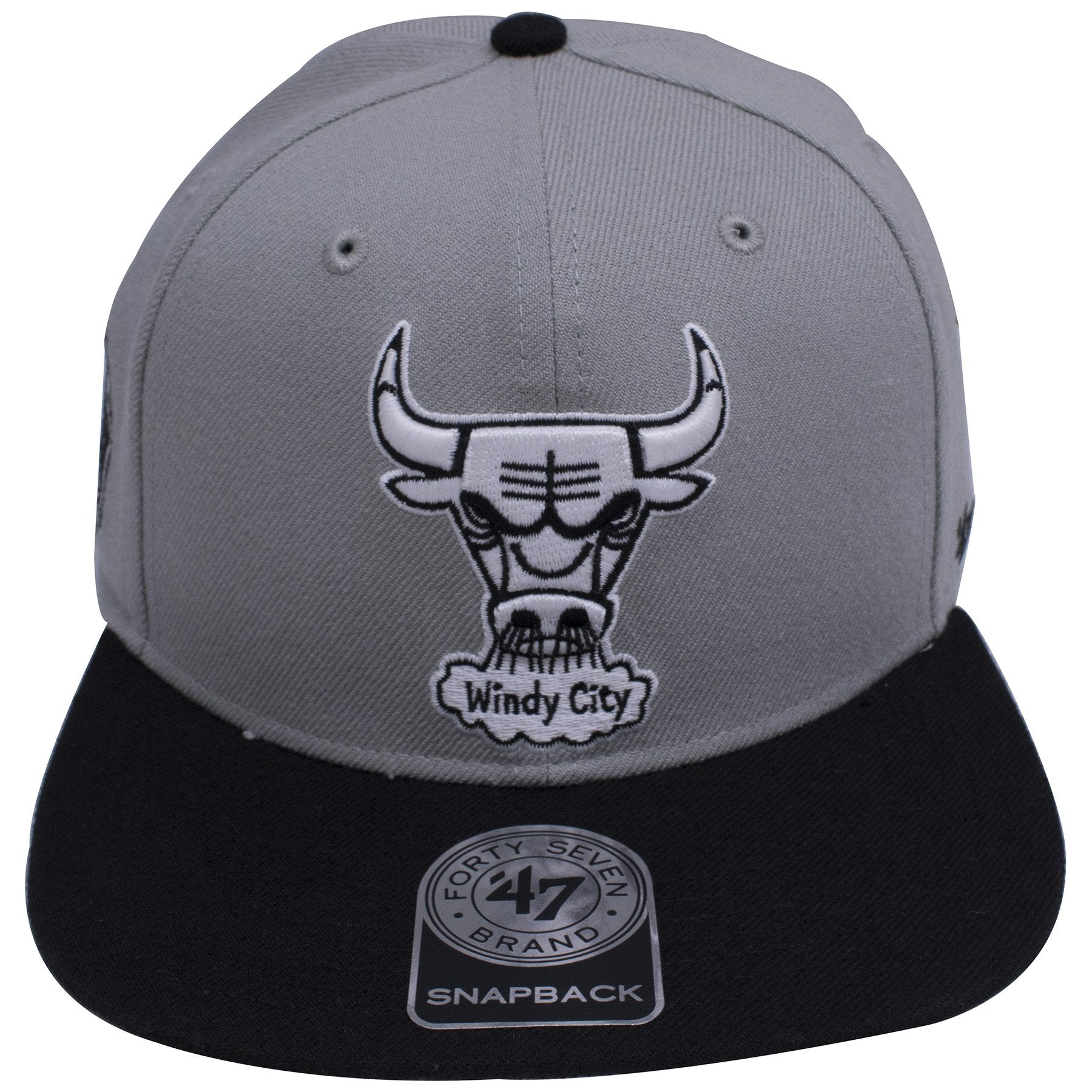 on the front of the chicago bulls air jordan 4 og sneaker matching snapback  hat is ac888b8be147