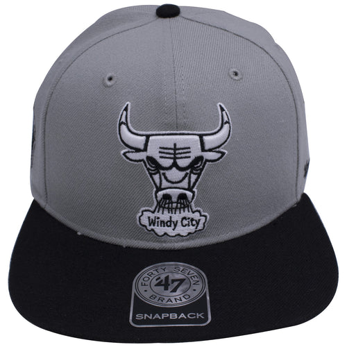 bd0d7a0848121a on the front of the chicago bulls air jordan 4 og sneaker matching snapback  hat is