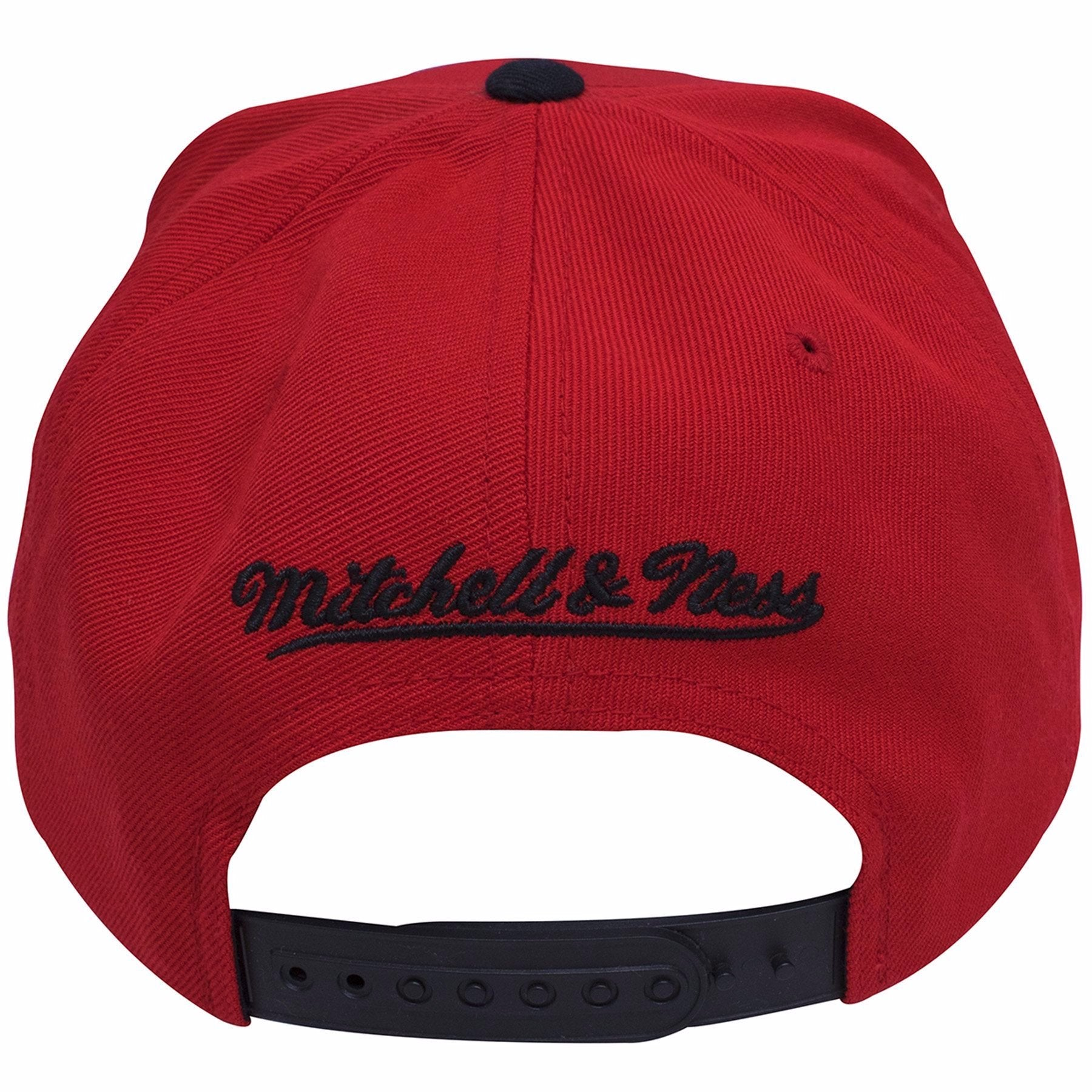 1eca3bfab07 ... on the back of the Mitchell and Ness Chicago Bulls XL Logo snapback hat  is a ...