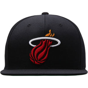 on the front of the Miami Heat classic back snapback hat, the Miami Heat logo is embroidered in red, white, black and orange on a solid black snapback hat