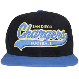 San Diego Chargers writing text can be seen embroidered in powder blue in front of this structured black snapback. This San Diego Chargers snapback has the words in front outlined in yellow and white threading. The S at the end of Chargers is sweeped underneath the word, big enough to fit the word Football to be embroidered inside the stroke. The flat brim is colored in powder blue.